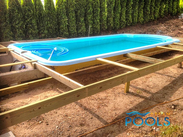 Dreampools the best quality fiberglass pool assembly Fiberglass swimming pool installation